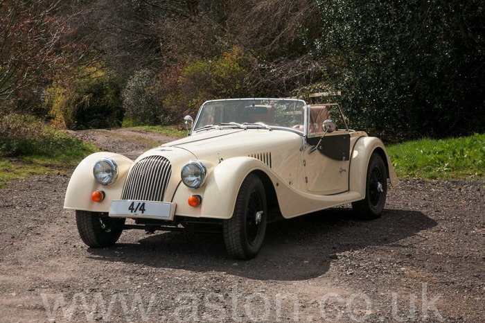 MORGAN 4/4 SPORT  like new  400 MILES only